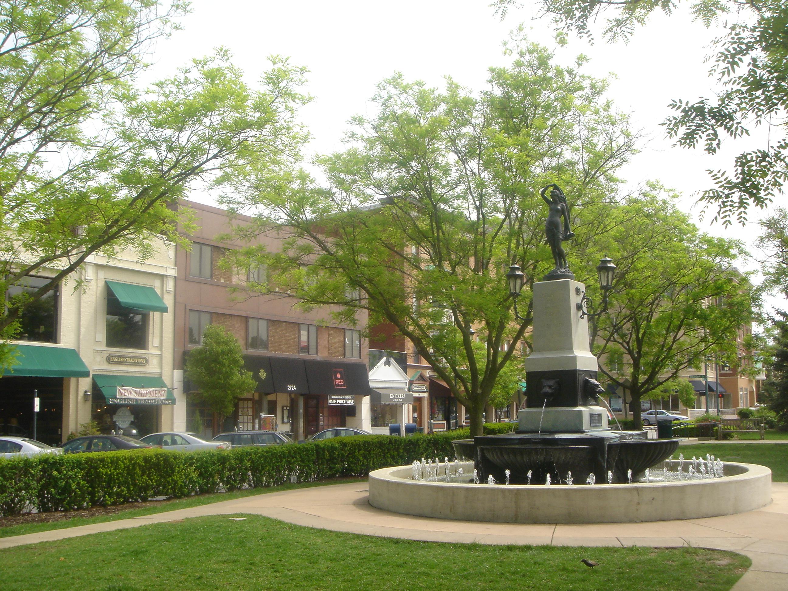Hyde Park - photos - cincy.com  |Hyde Park Square Cincinnati Ohio